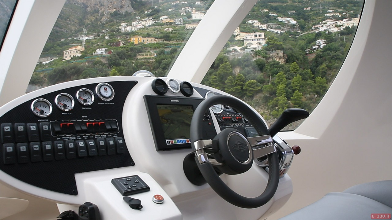 jet-capsule-yacht-tender-by-lazzarini-design__0-10010