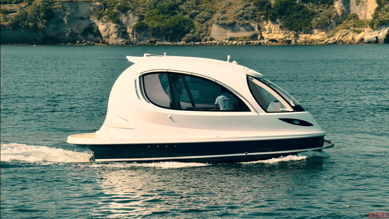 jet-capsule-yacht-tender-by-lazzarini-design__0-10017