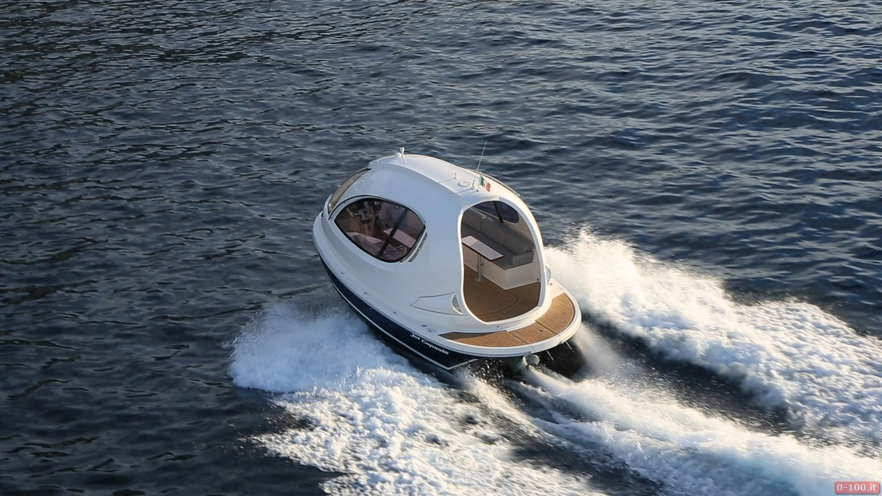 jet-capsule-yacht-tender-by-lazzarini-design__0-1003