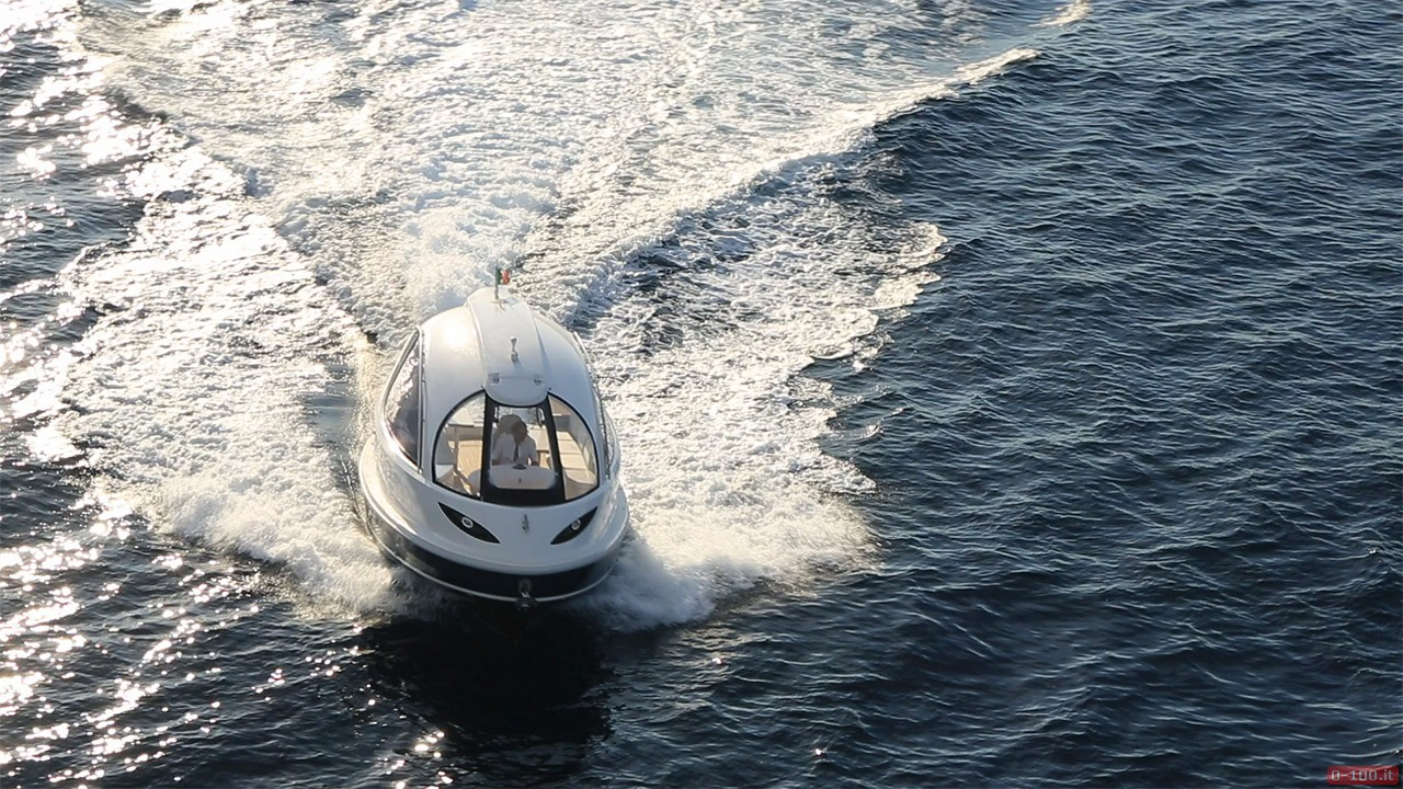 jet-capsule-yacht-tender-by-lazzarini-design__0-1005