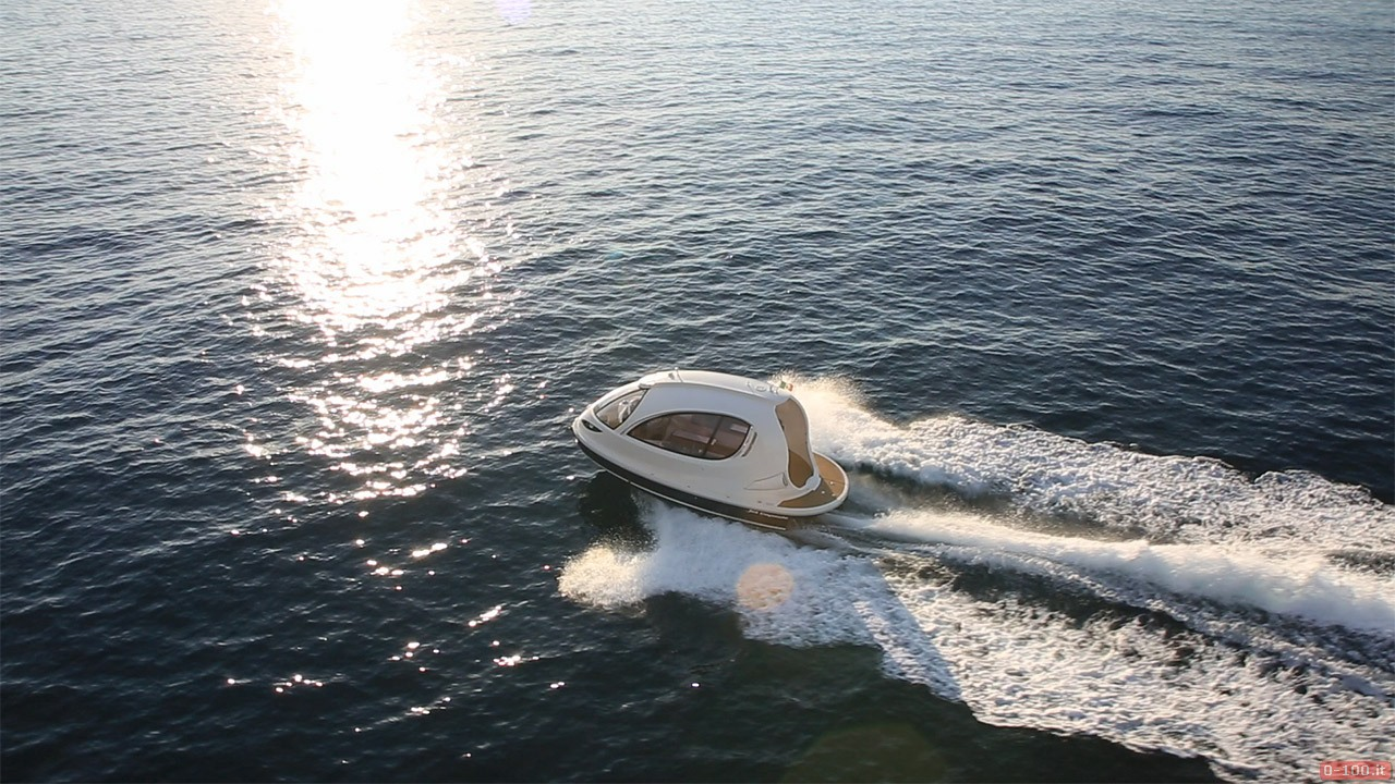 jet-capsule-yacht-tender-by-lazzarini-design__0-1006
