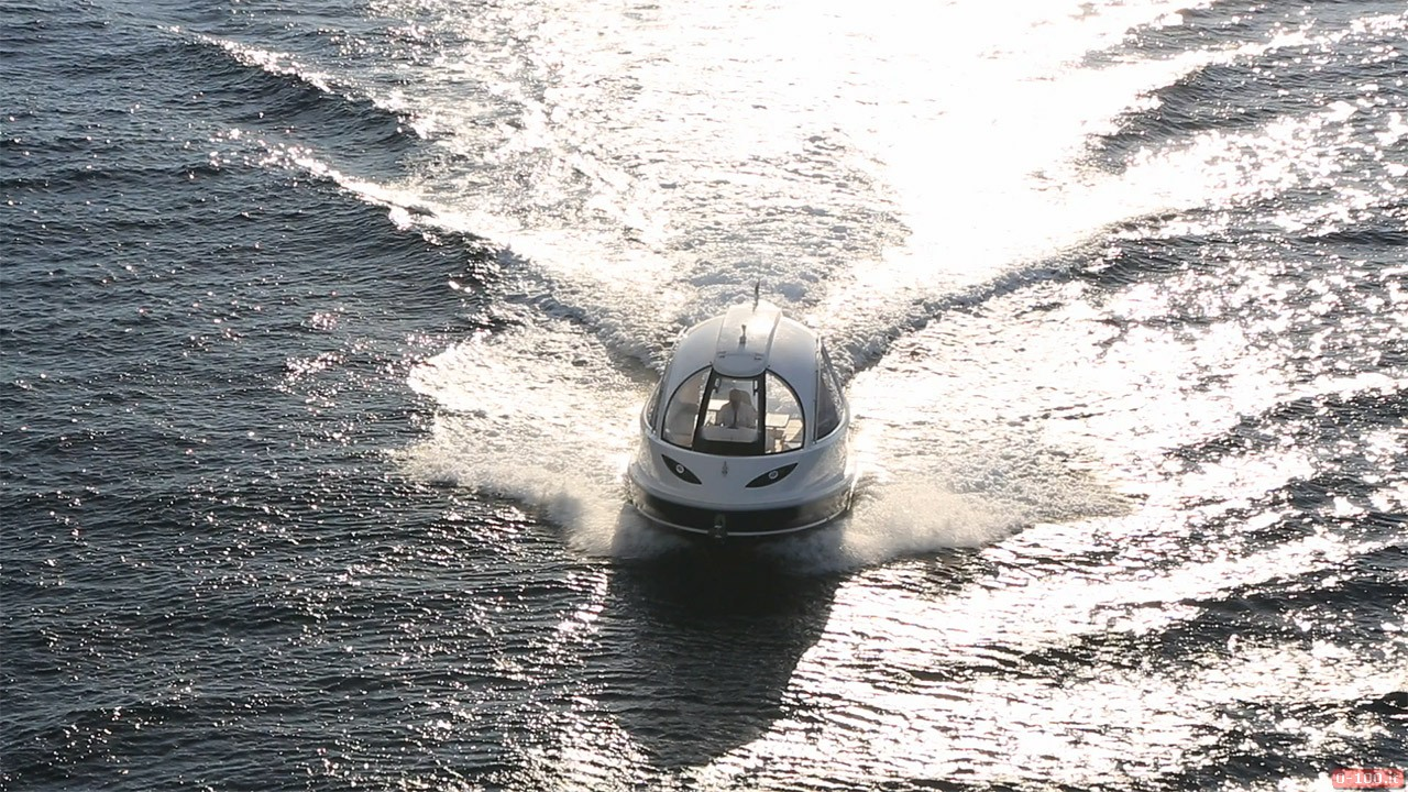 jet-capsule-yacht-tender-by-lazzarini-design__0-1007