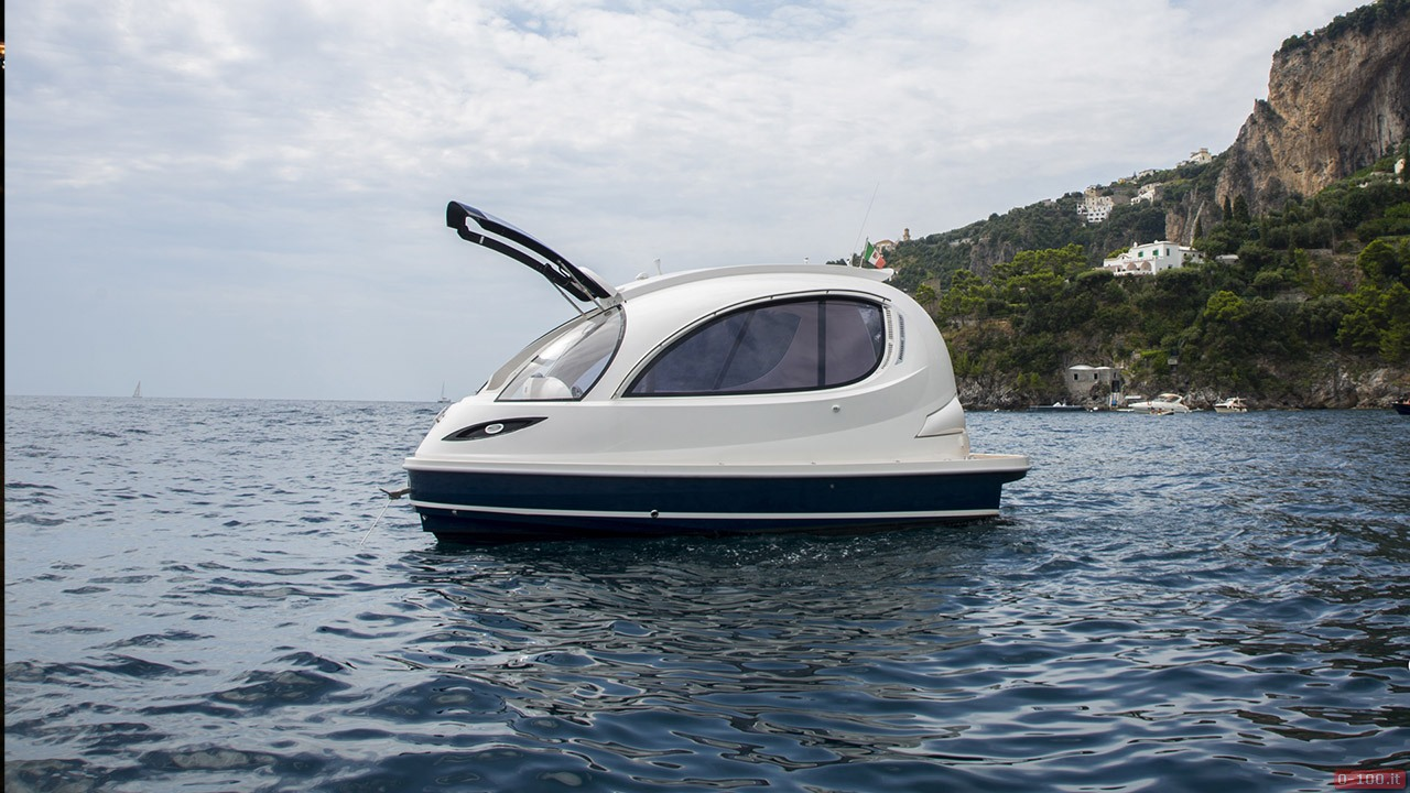 jet-capsule-yacht-tender-by-lazzarini-design__0-1009
