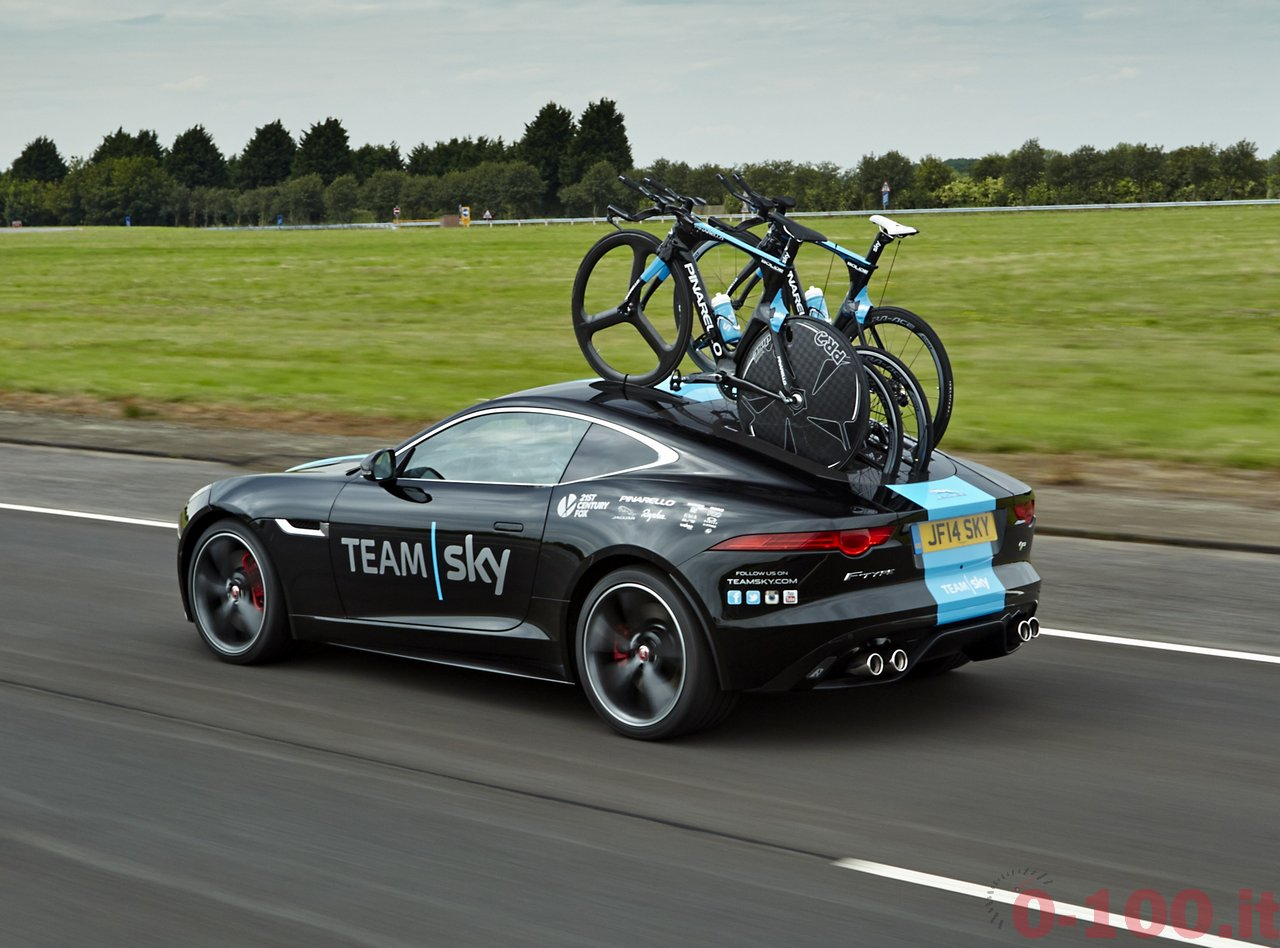 jaguar f type r e pinarello per lo sky team con jaguar land rover special operations il tour de. Black Bedroom Furniture Sets. Home Design Ideas
