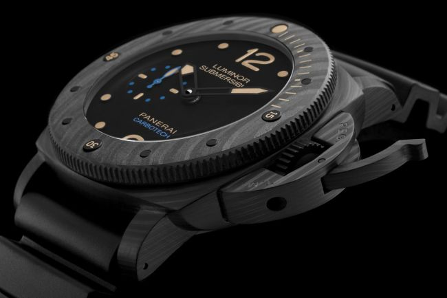 officine-panerai-luminor-submersible-1950-carbotech-3-days-automatic-47mm-ref-pam00616_0-100_2