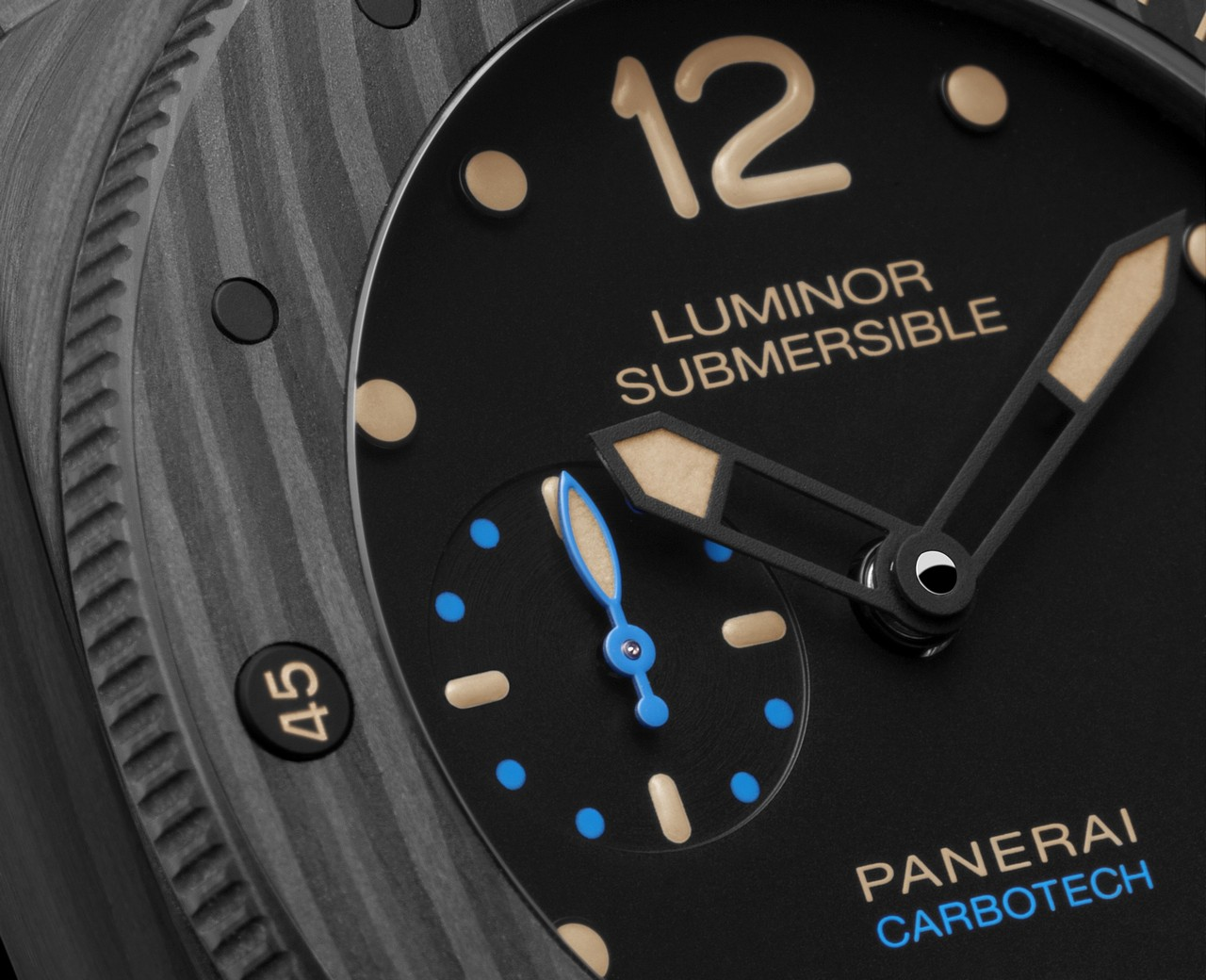 officine-panerai-luminor-submersible-1950-carbotech-3-days-automatic-47mm-ref-pam00616_0-100_3