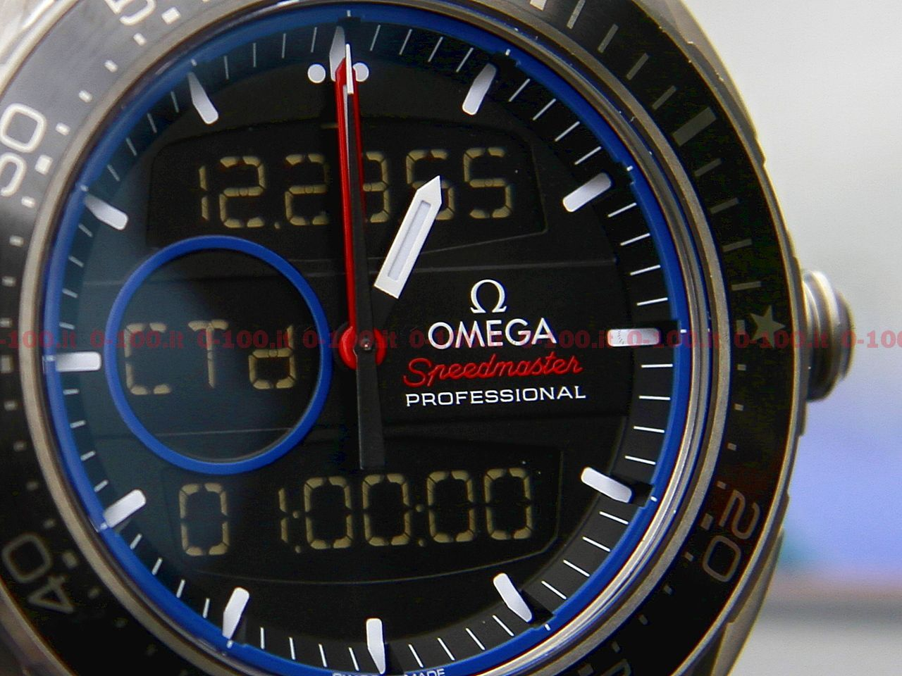 omega-speedmaster-x33-regatta-team-tilt-gc32_0-100-19