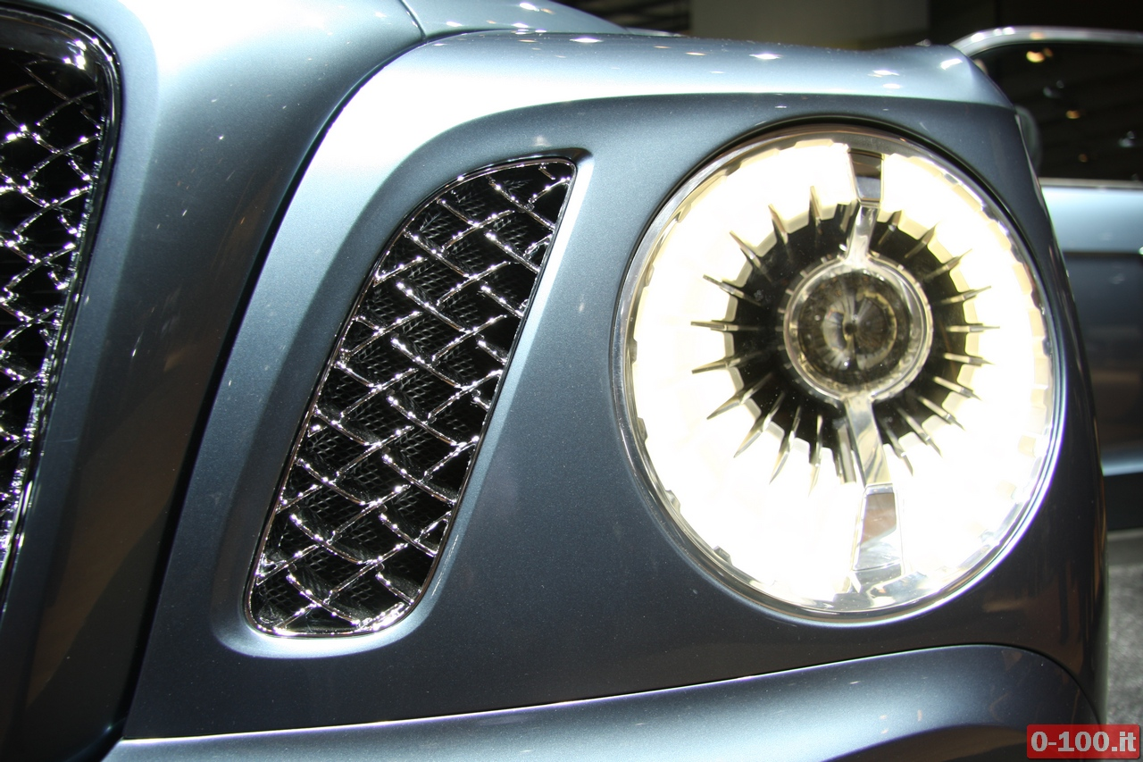 bentley_geneve_autoshow-2012_0-100_28