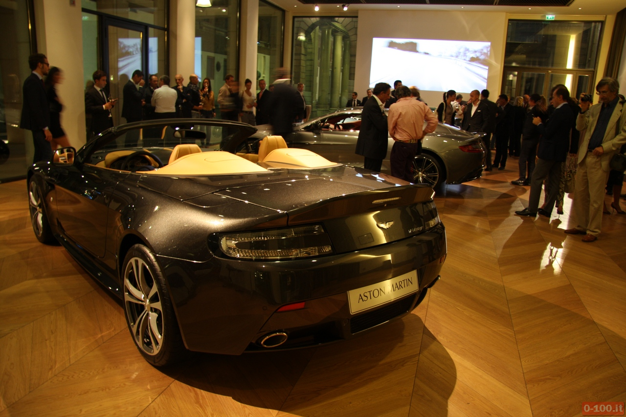 Aston-Martin_Vanquish_V12-Roadster_V12-Zagato_0-100_17