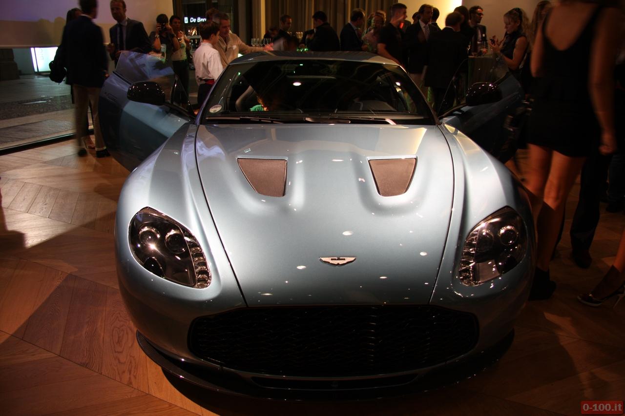Aston-Martin_Vanquish_V12-Roadster_V12-Zagato_0-100_26