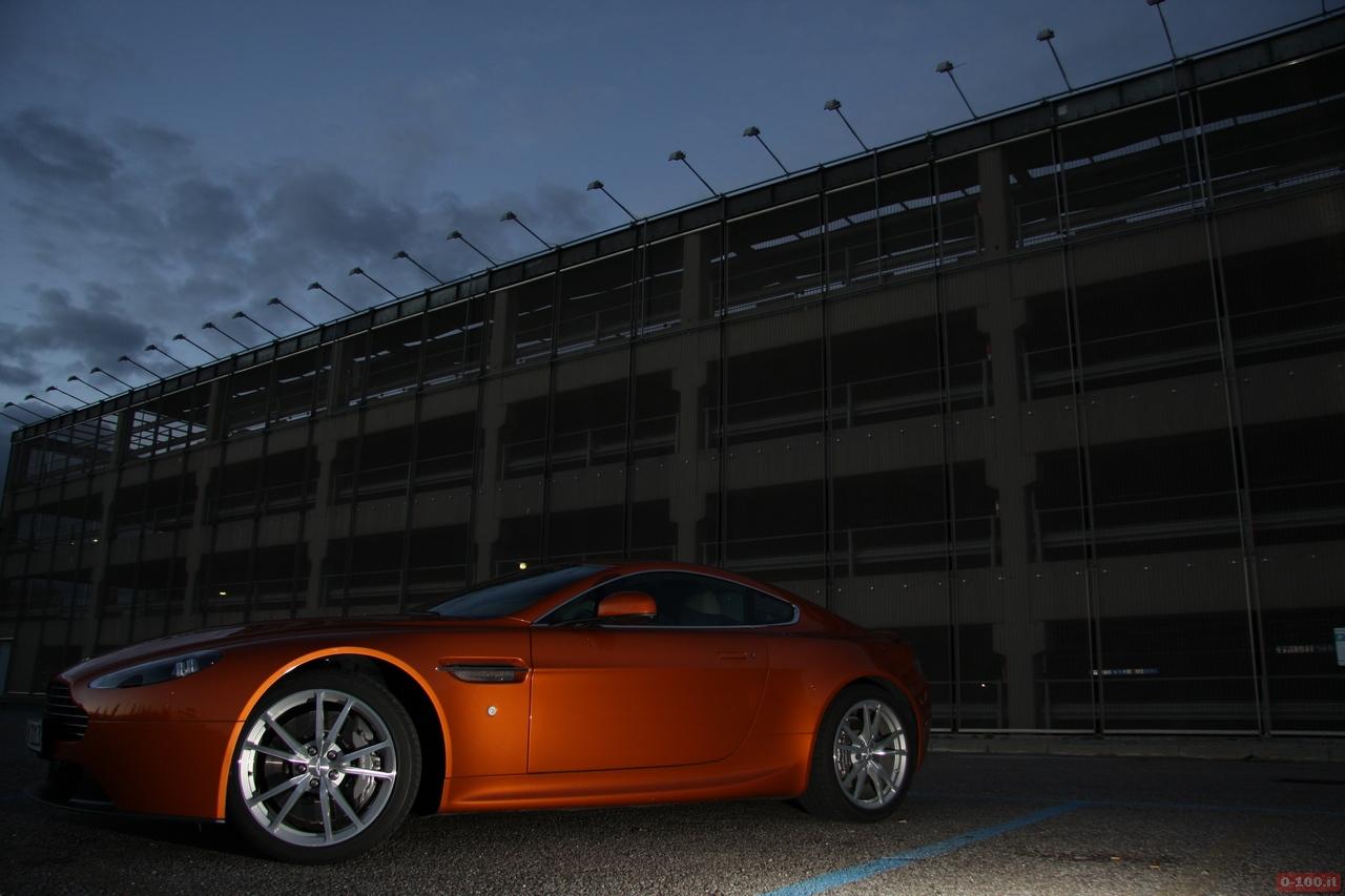 Aston_Martin_v8_vantage_0-100_25