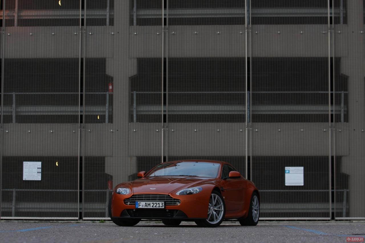 Aston_Martin_v8_vantage_0-100_3