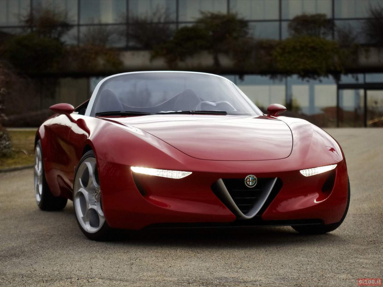Alfa_Romeo-2uettottanta-2011_01-100_2