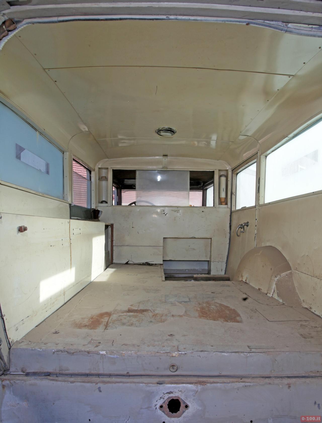 cadillac-452-v16-ambulance_0-100_5