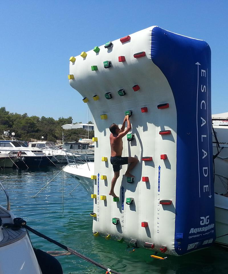 climbing_wall_green_yacht_0-100