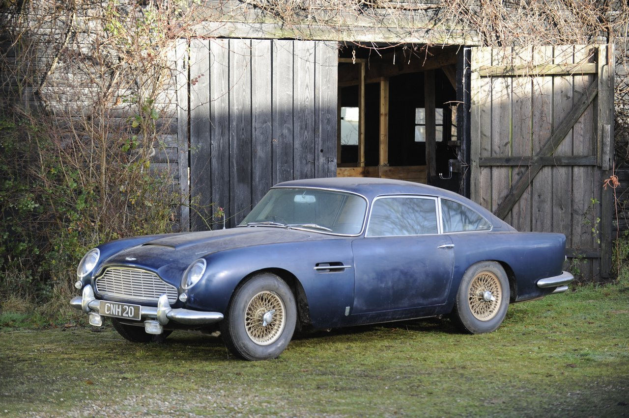 bonhams-world-record-aston-martin-db4gt_0-100_1