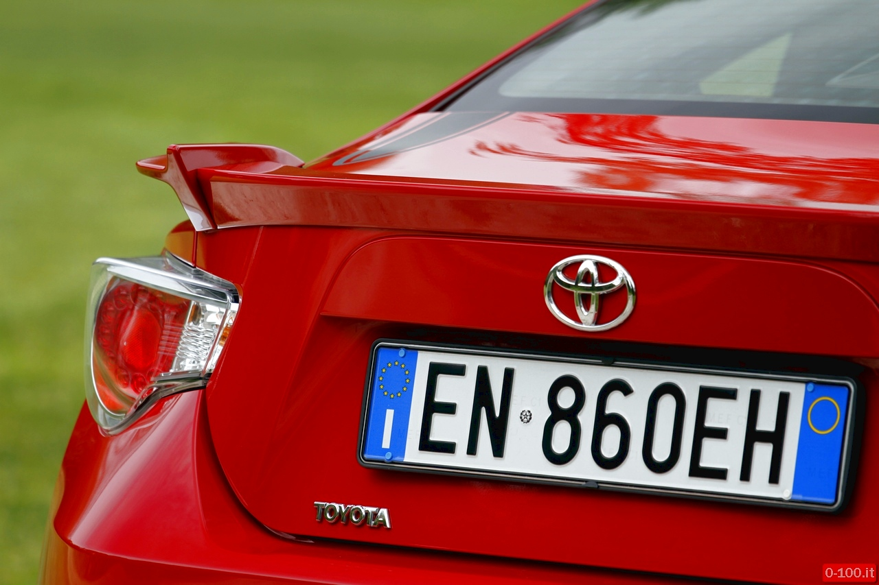 toyota-GT86-test-drive-price-0-100_22