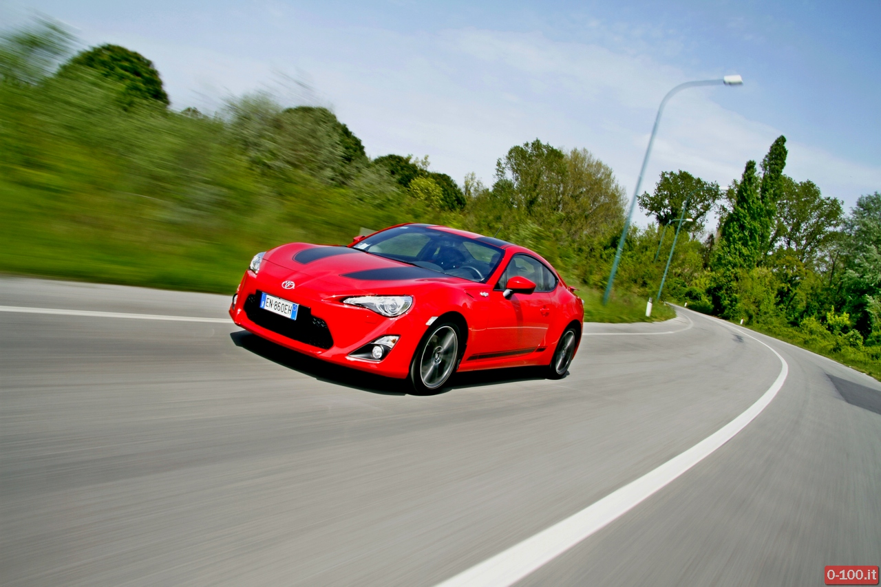toyota-GT86-test-drive-price-0-100_28