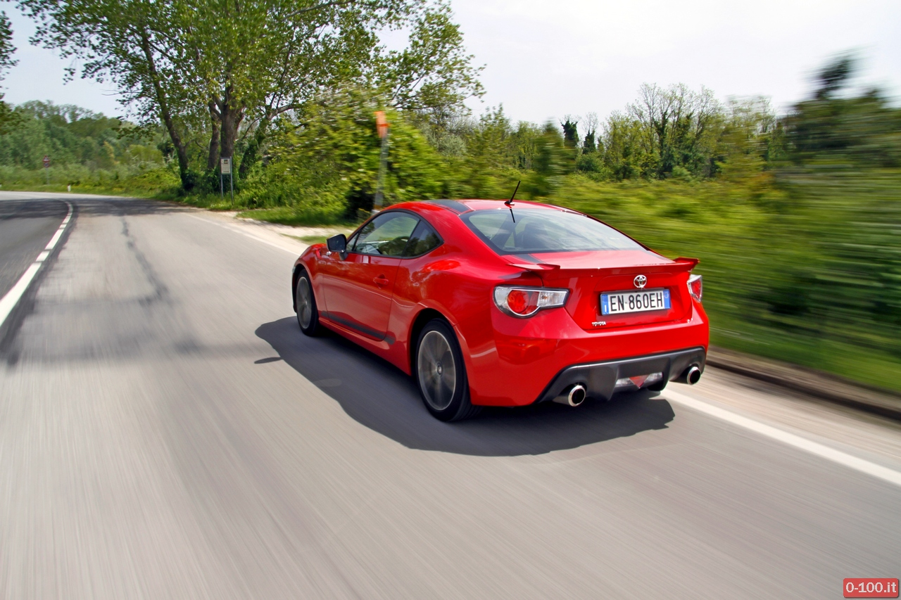 toyota-GT86-test-drive-price-0-100_30