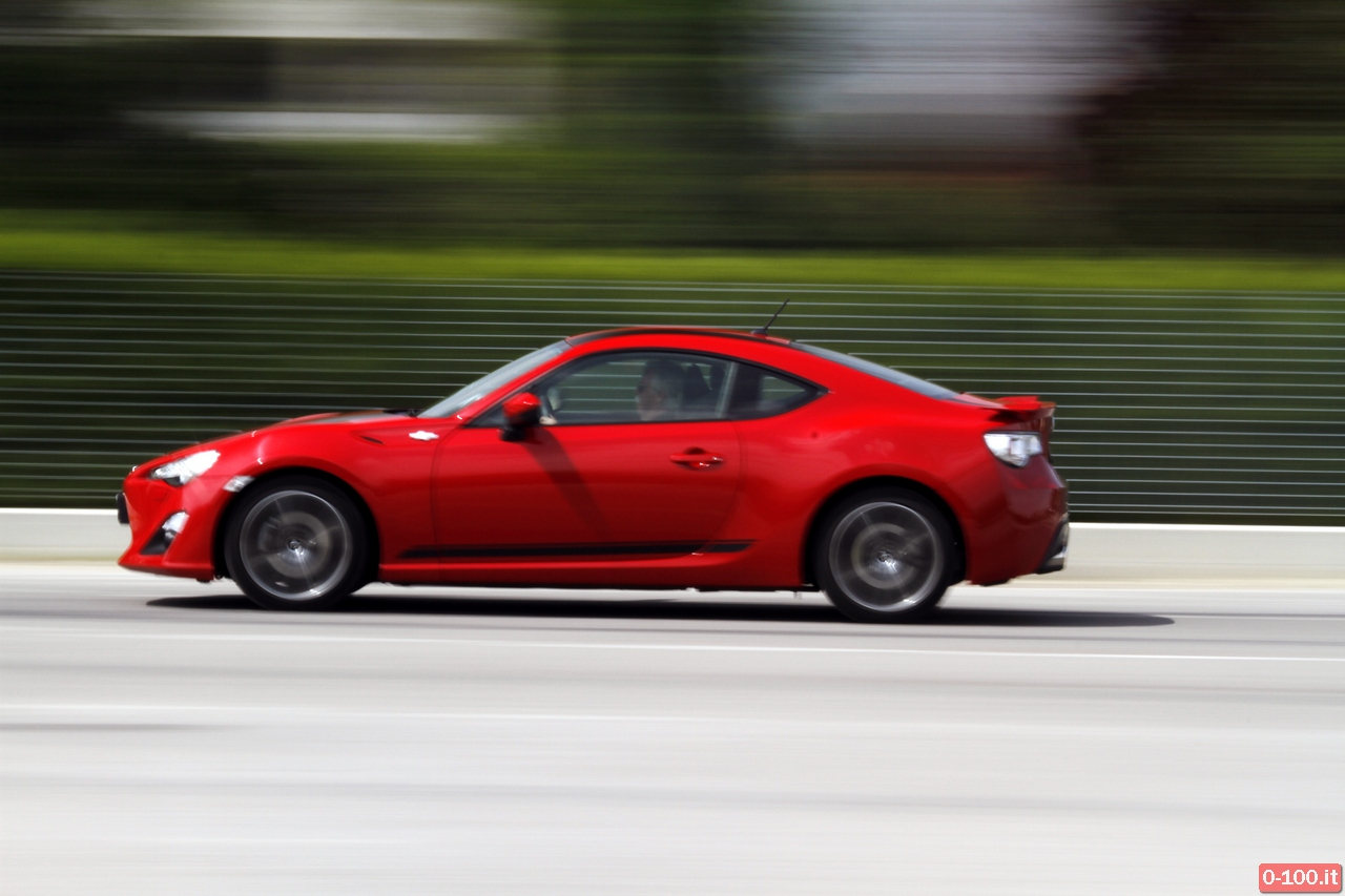 toyota-GT86-test-drive-price-0-100_37