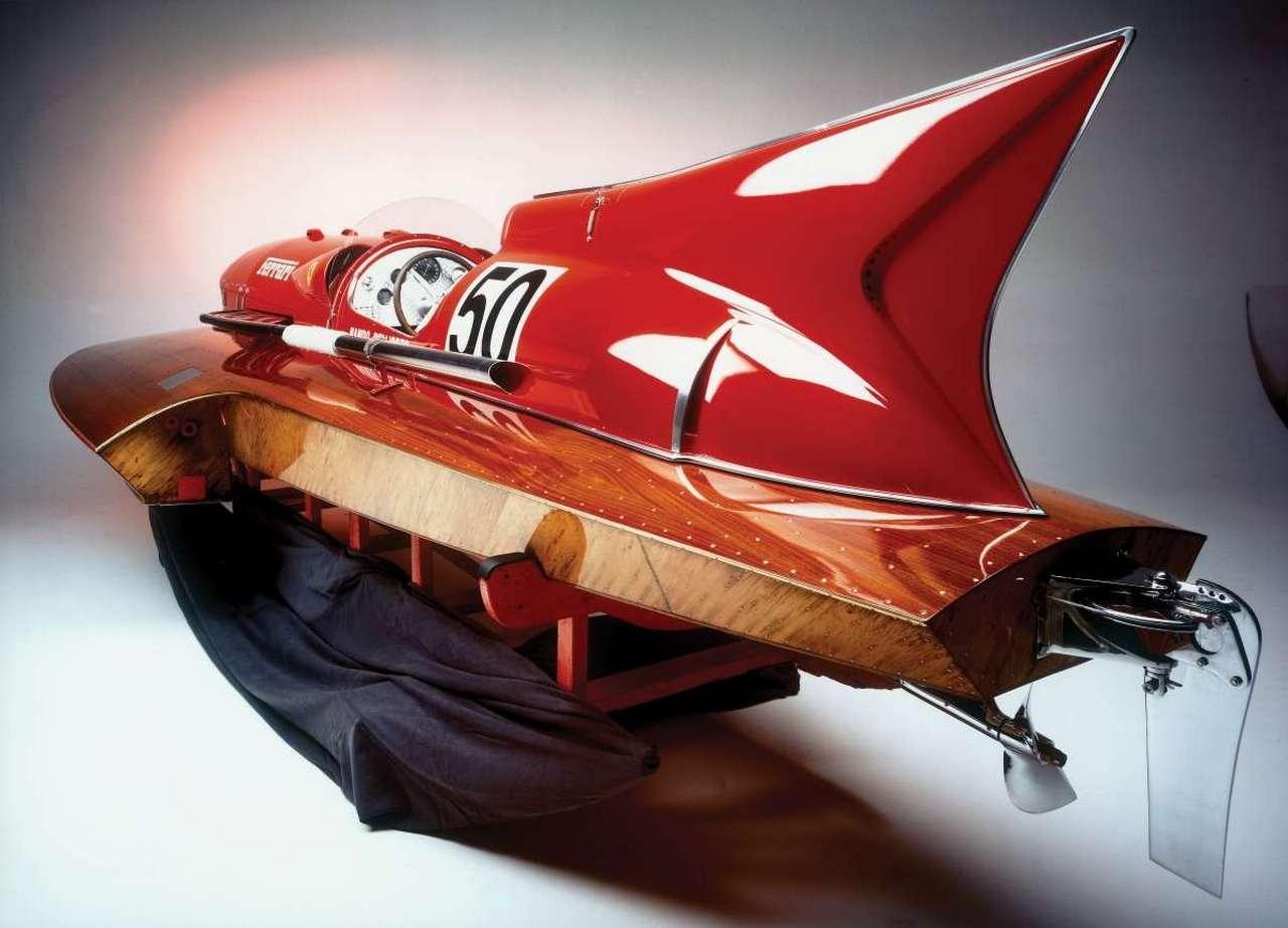 1953-timossi-ferrari-arno-xi-racing-hydroplane_10-100