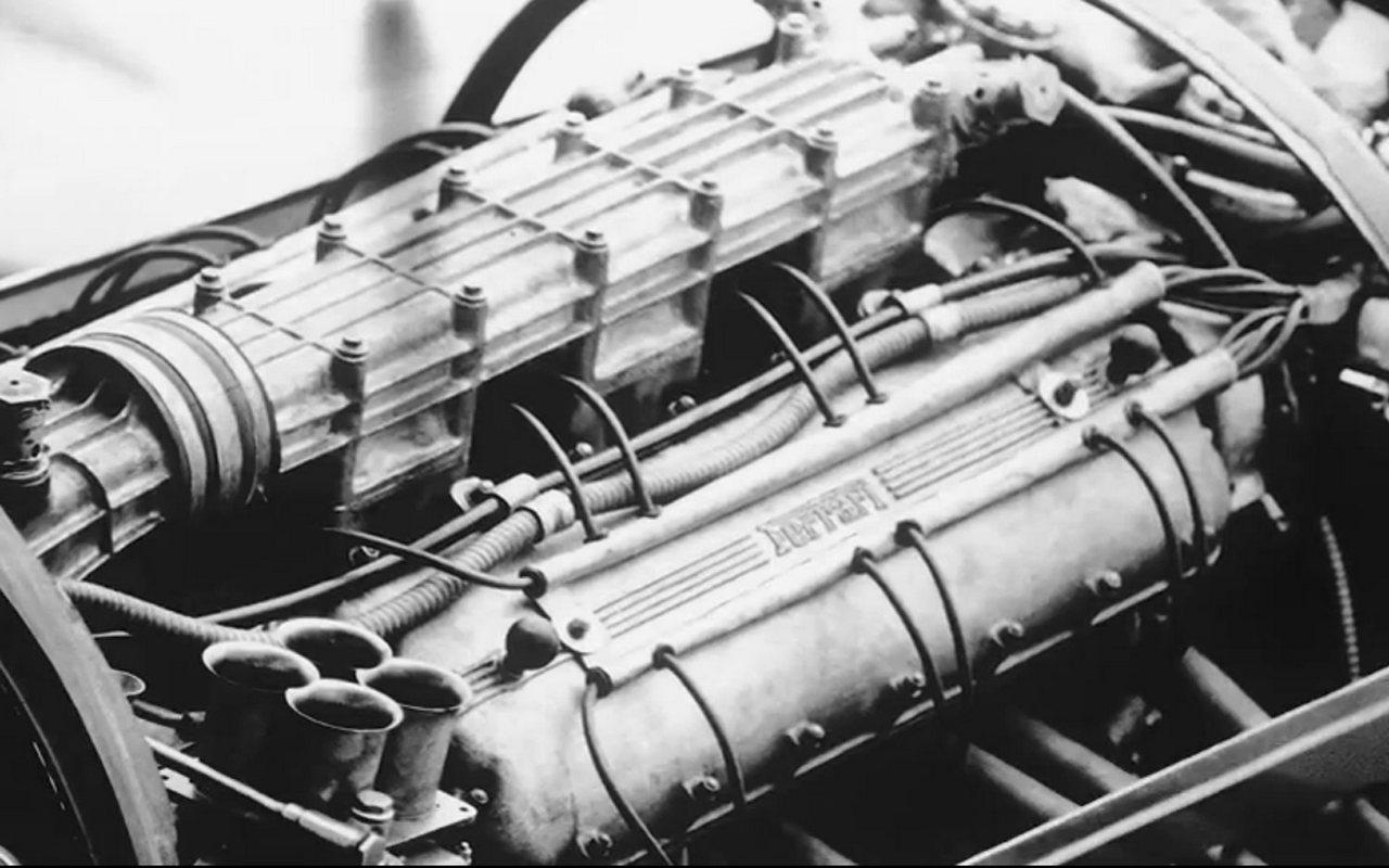 1953-timossi-ferrari-arno-xi-racing-hydroplane_120-100
