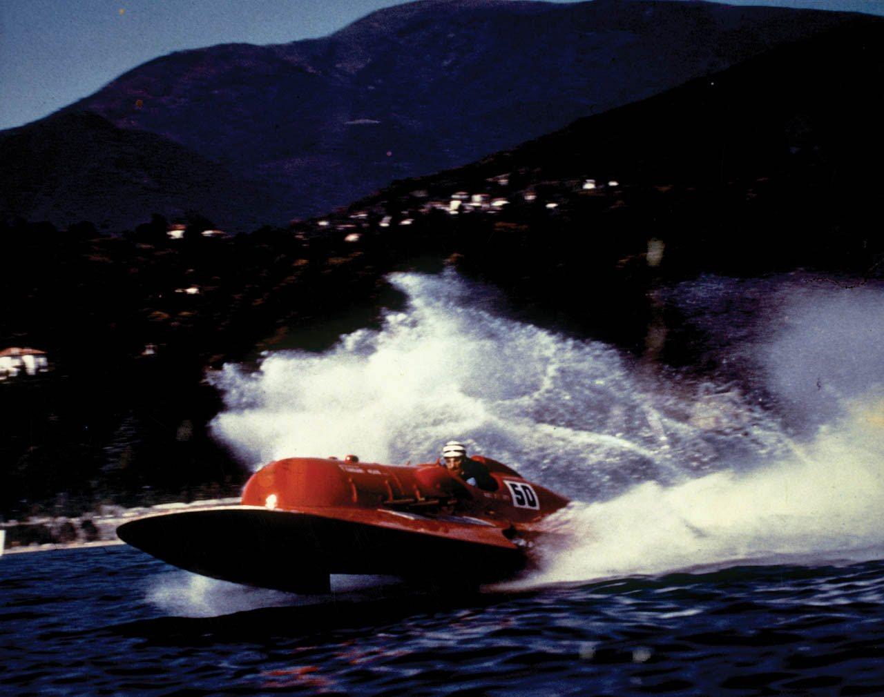 1953-timossi-ferrari-arno-xi-racing-hydroplane_60-100