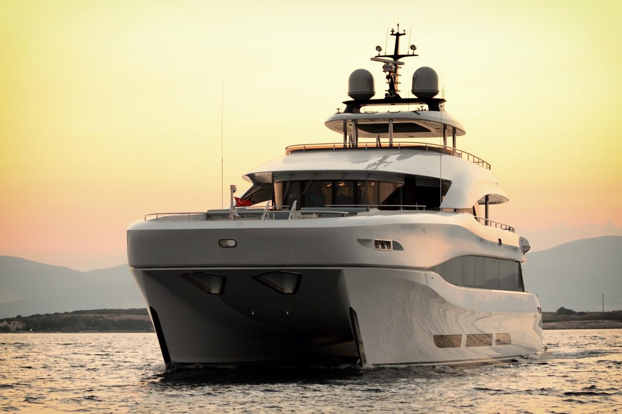 curvelle-quaranta-34m-power-catamaran_40-100