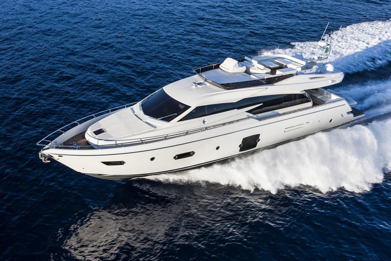 ferretti-yacht-750_Cannes_2013_30-100