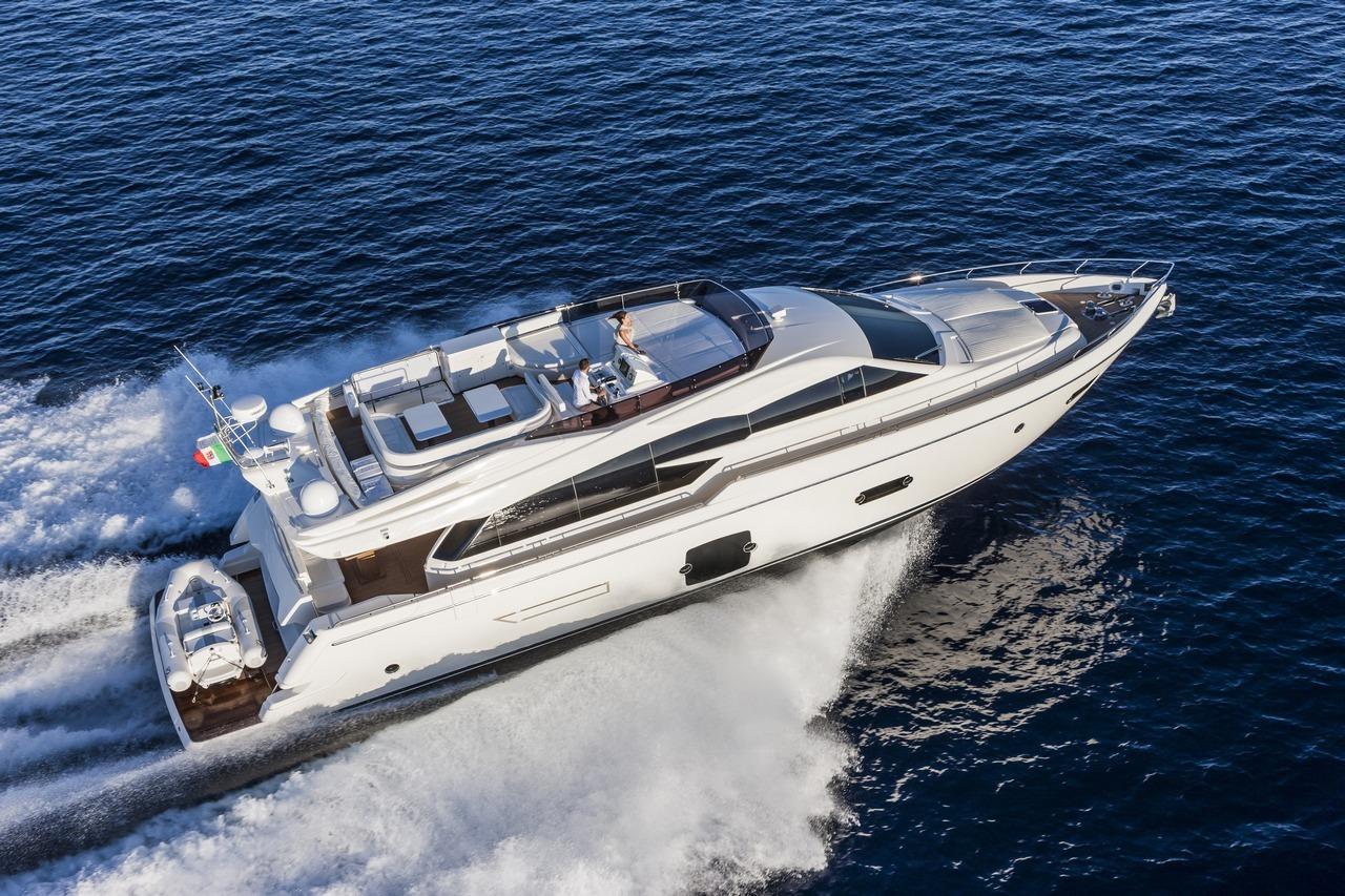 ferretti-yacht-750_Cannes_2013_80-100
