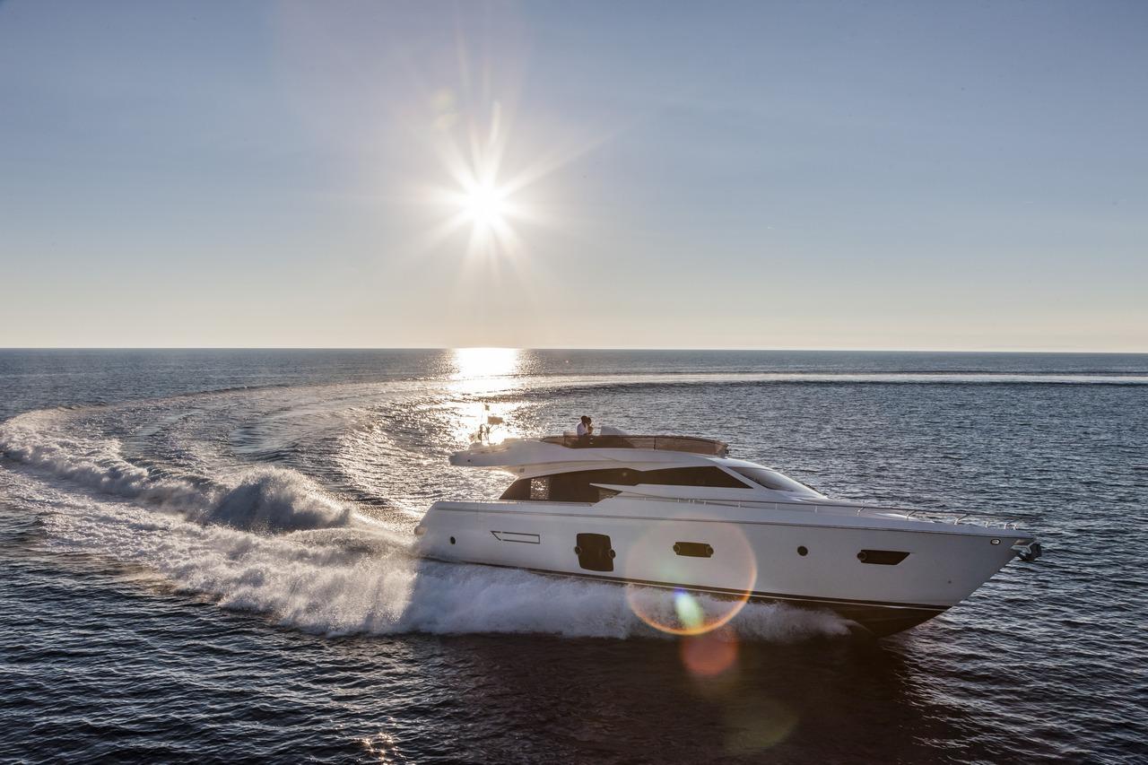 ferretti-yacht-750_Cannes_2013_90-100