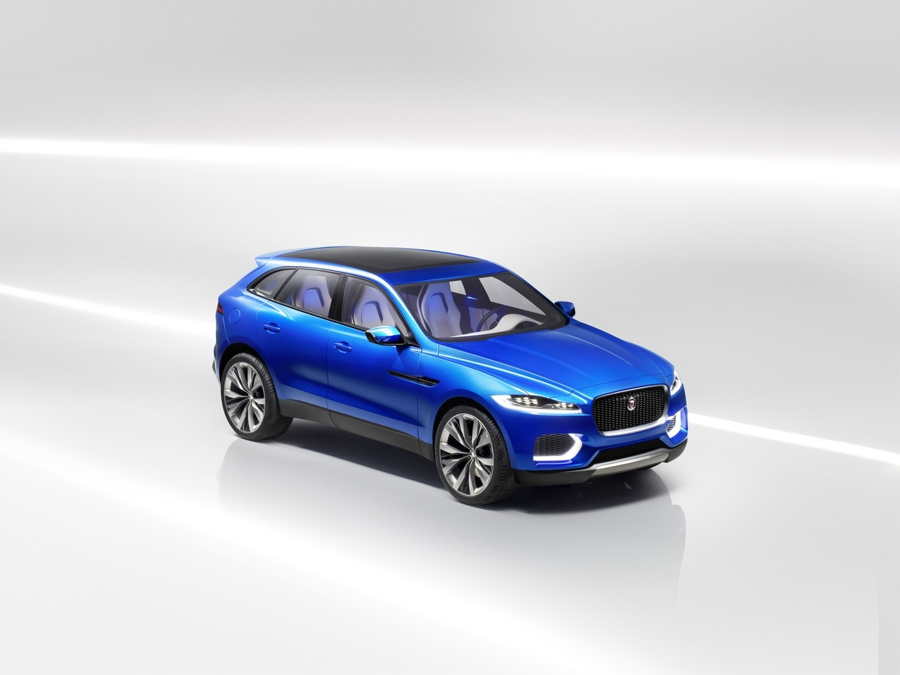 jaguar-c-x17-sports-crossover-concept_40-100