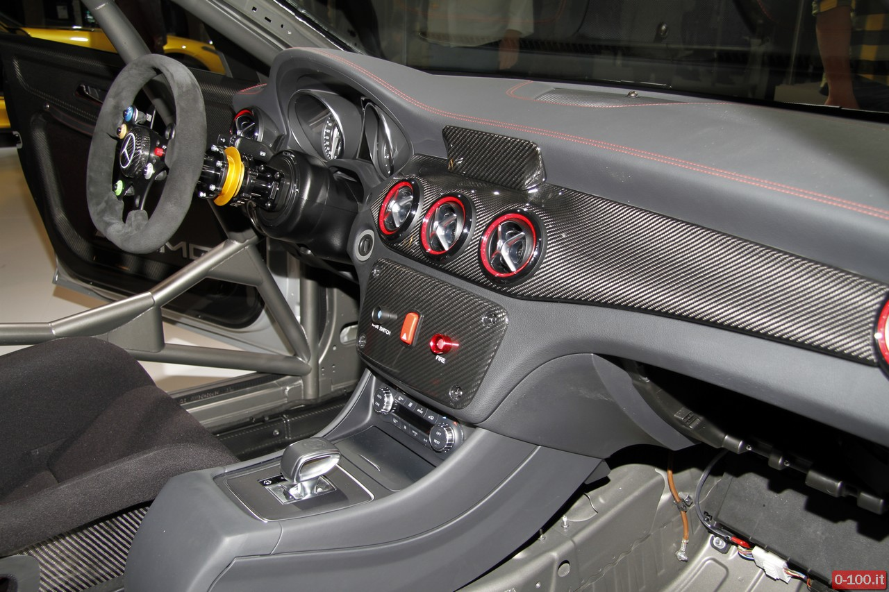 mercedes-cla-45-amg-racing-series-iaa-francoforte-2013_0-100_12