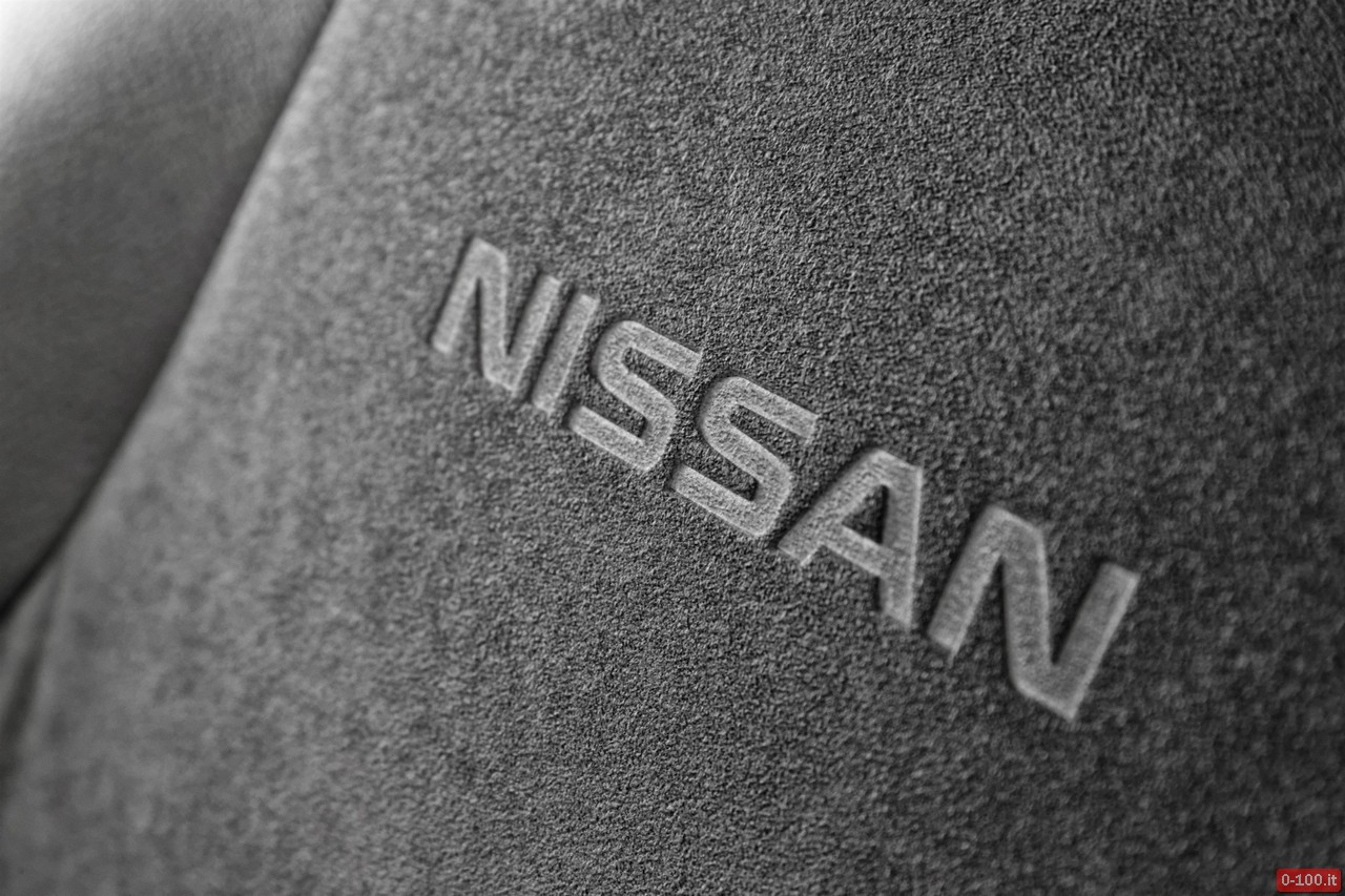 nissan-navara-le-special-edition-0-100_8