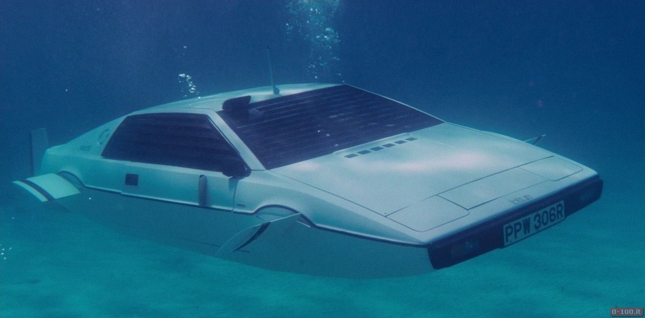 007-lotus-esprit-submarine__0-1002