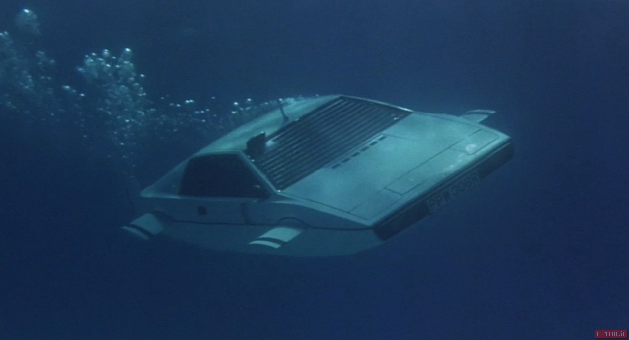 007-lotus-esprit-submarine__0-1003