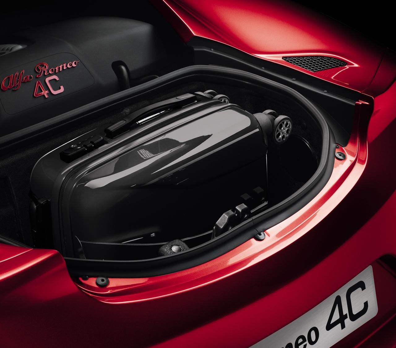 "UFFICIALE: L'Alfa Romeo 4C Conferma 8'04"" Al Nurburgring"