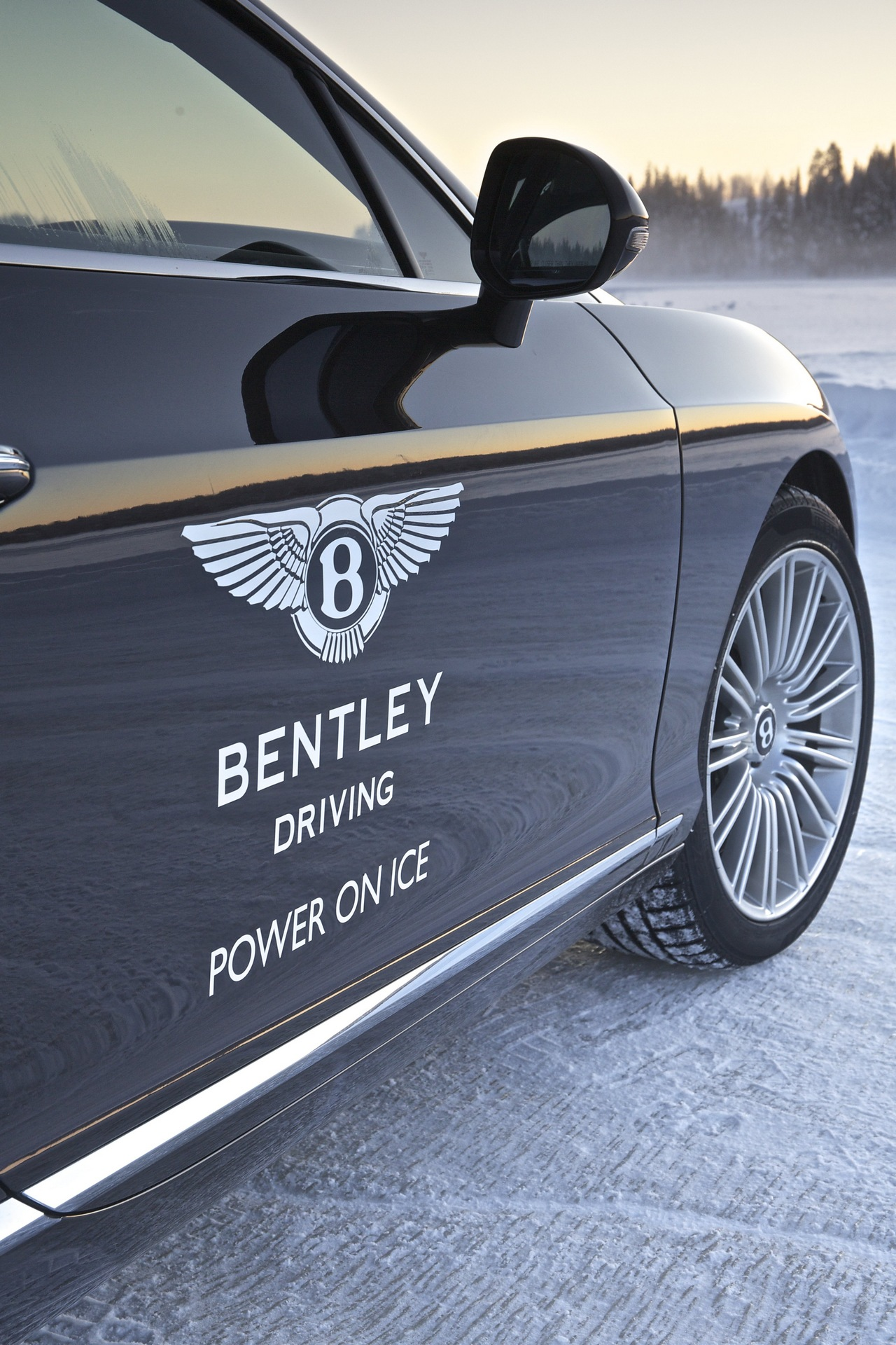 bentley-power-on-ice-2014_0_1005