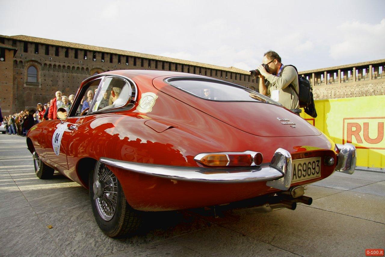cmae-trofeo-milano-2013-castello-sforzesco-jaguar-e-100_2