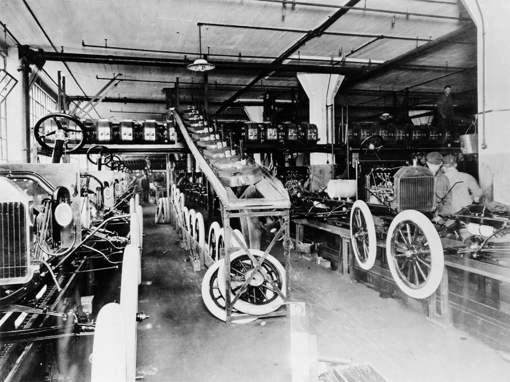 ford-1913-2013-100-anni-dalla-prima-catena-di-montaggio