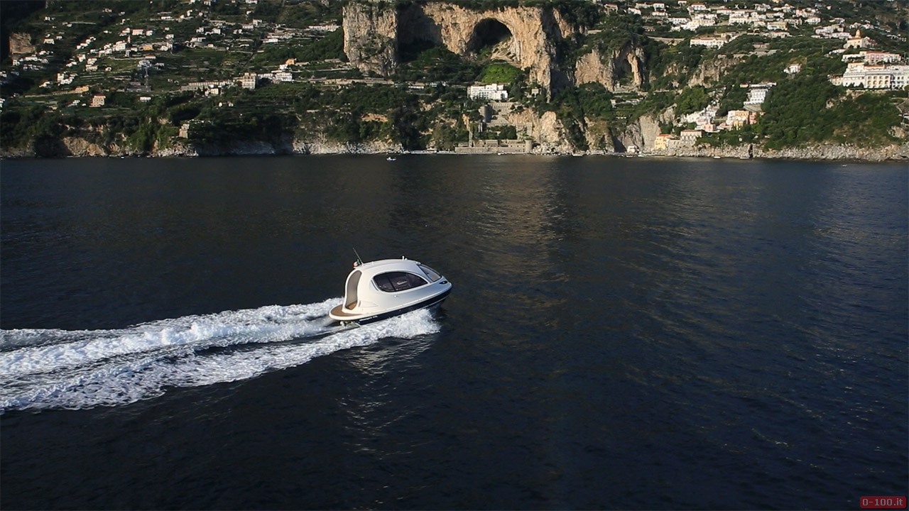 jet-capsule-yacht-tender-by-lazzarini-design__0-1008