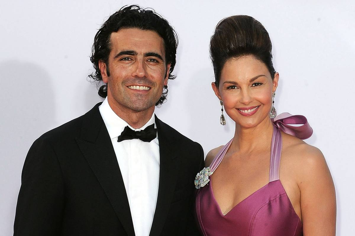 Dario-Franchitti-ashley-judd-0-100