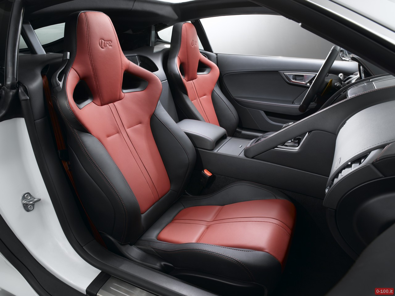 jaguar-f-type-r-coupe_price-prezzo-0-100_31