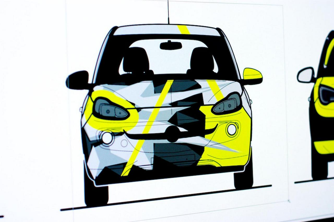 opel-adam-by-valentino-rossi-su-ebay-funds-going-to-meyer-childrens-hospital-foundation-0-100_1