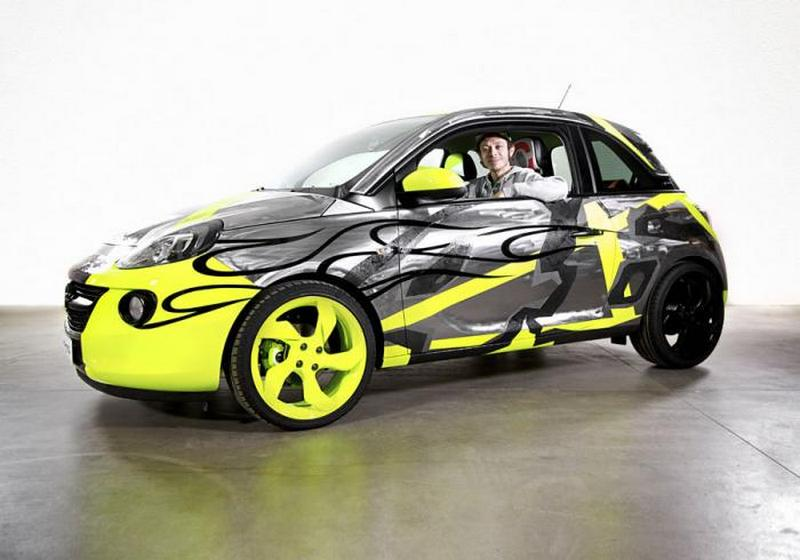 opel-adam-by-valentino-rossi-su-ebay-funds-going-to-meyer-childrens-hospital-foundation-0-100_11