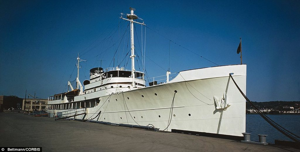 williamsburg-refit-project-by-green-yachts-0-100_8