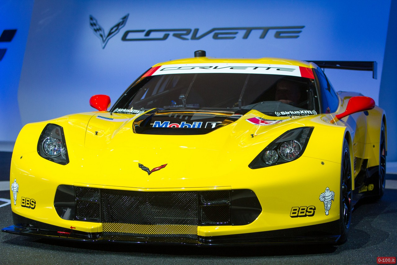 CorvetteC7RReveal02.jpg