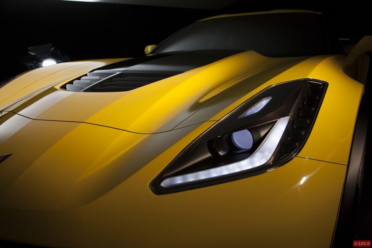 2015 Chevrolet Corvette Z06 standard carbon-fiber hood vent