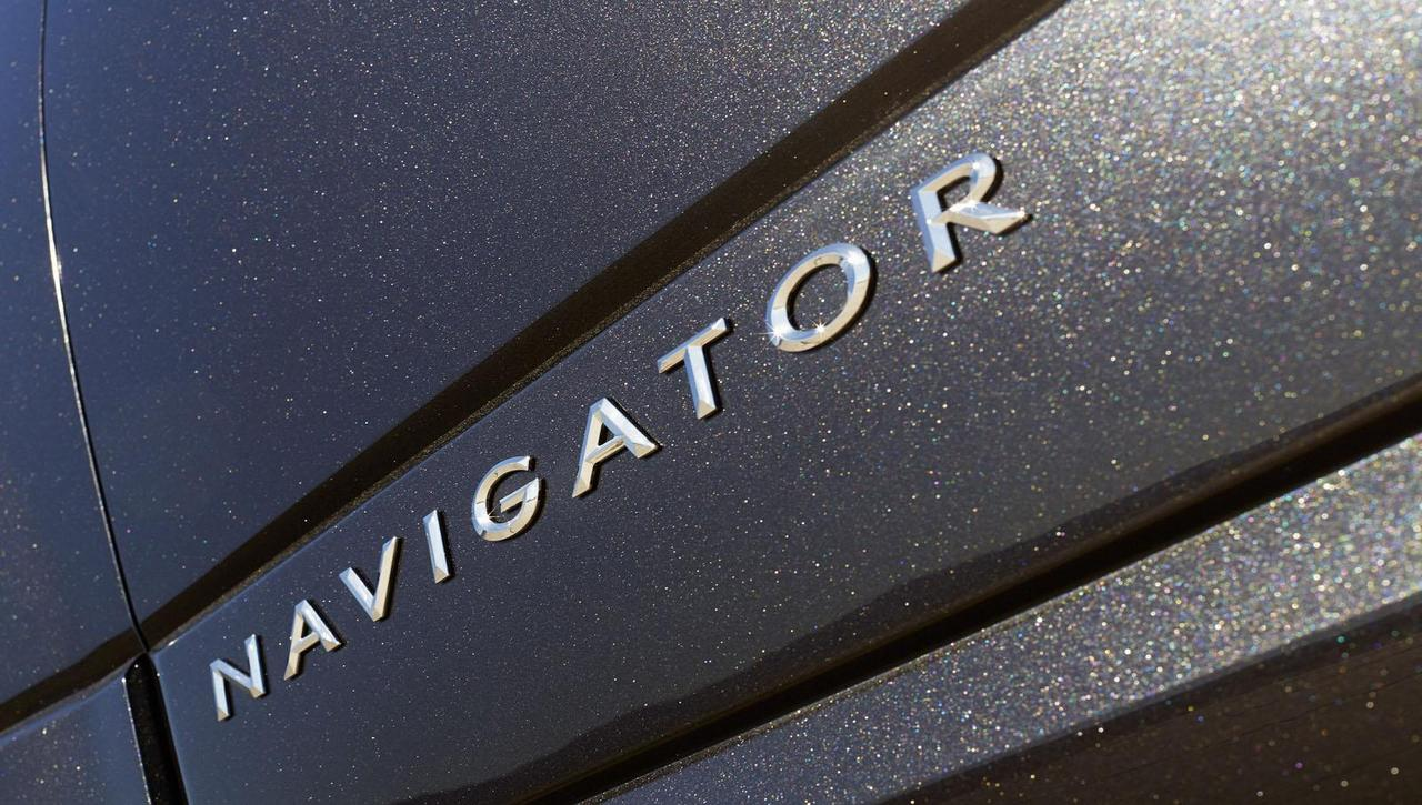 lincoln-navigator-model-year-2015-0-100_21