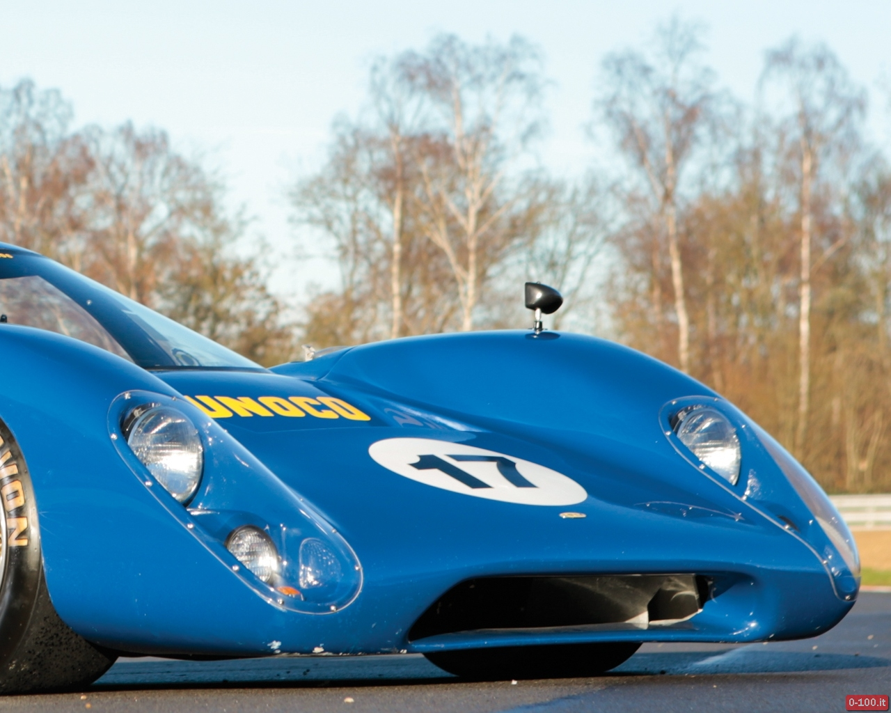 rm-auctions-a-retromobile-2014-parigi-lola-t70-mk-iiib-1969-by-sbarro-0-100_14